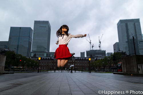行幸通りから東京駅を背景に撮影